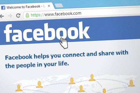 Ex eifersüchtig machen mit Facebook